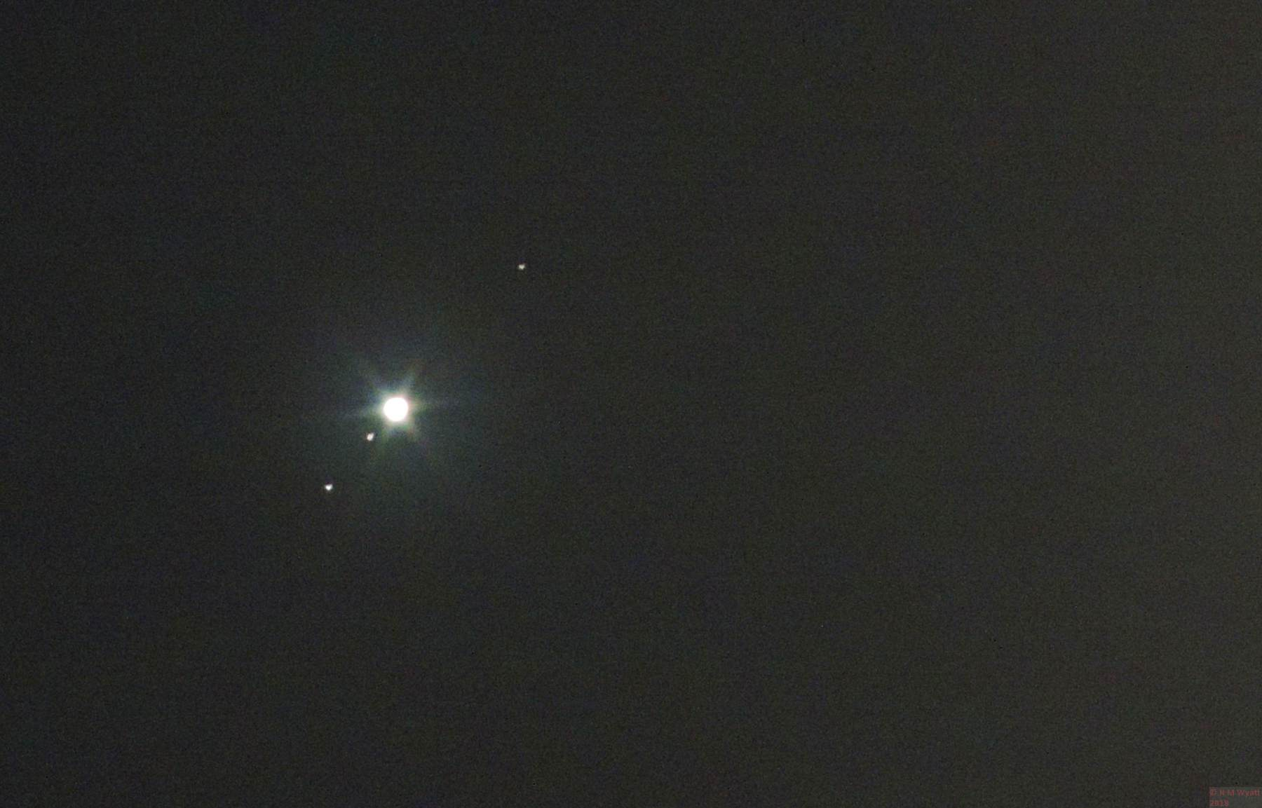 Conjunction of Moon and Jupiter 21 March 2016