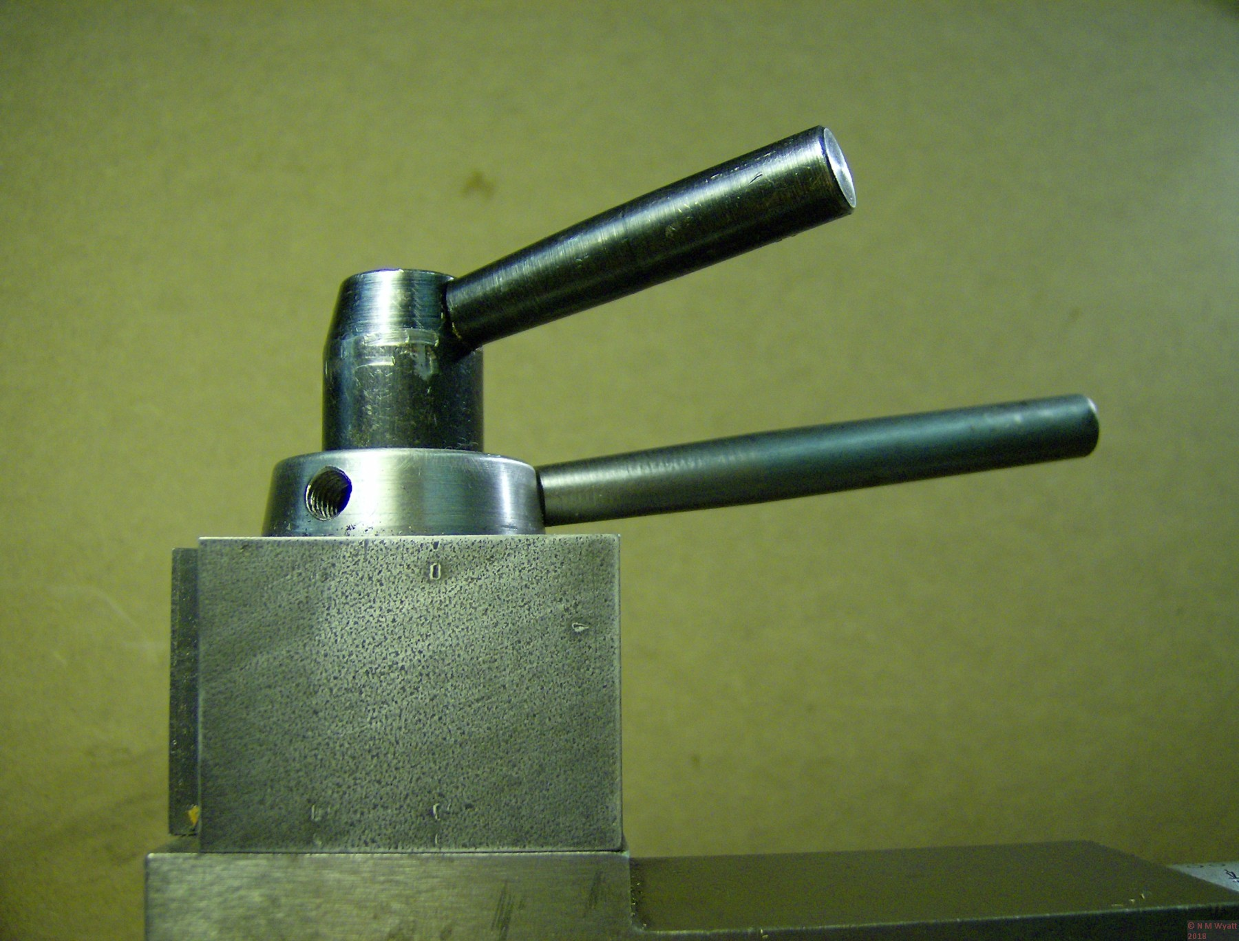 QCTP operating handles